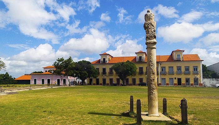 Praça da Igreja Matriz de São Matias, Alcântara, Maranhão 002 - Mundo Gekos Receptivo
